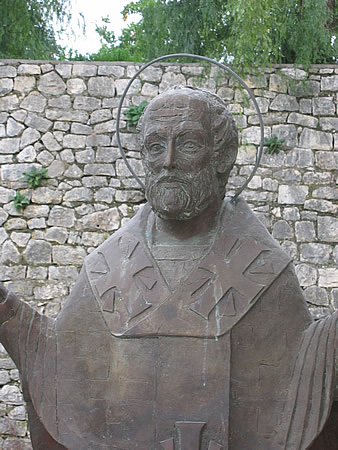 Bronze statue of St Nichoals in Myra01