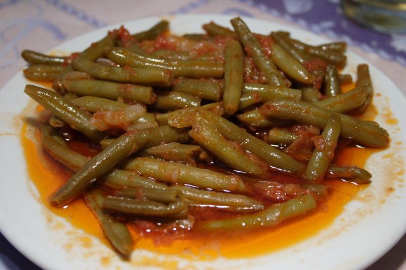 Fasolakia Yiahni (String beans with tomato)
