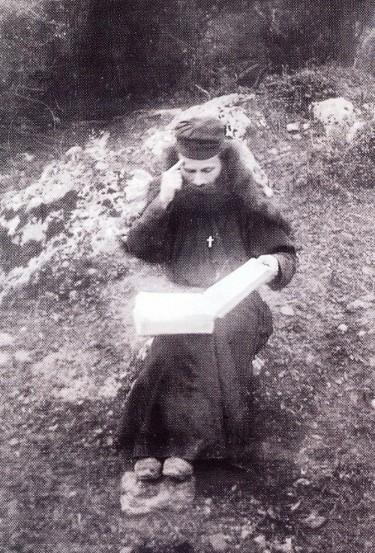 St Porphyrios Bairaktaris of Kafsokalivia05