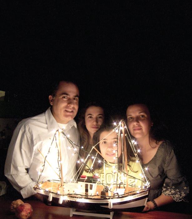 Greek Christmas boat02