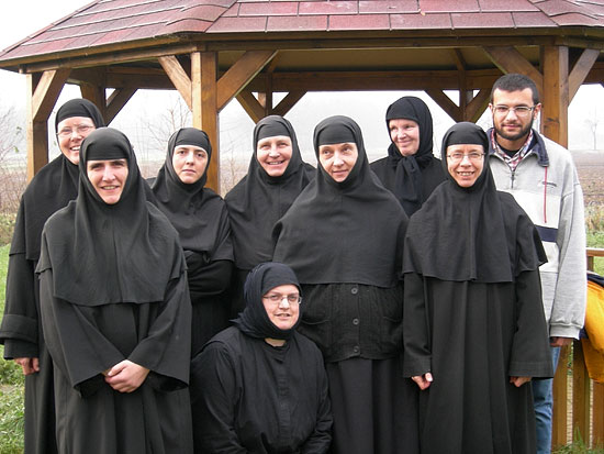 Asten-sisters and Athonite novice aspirant