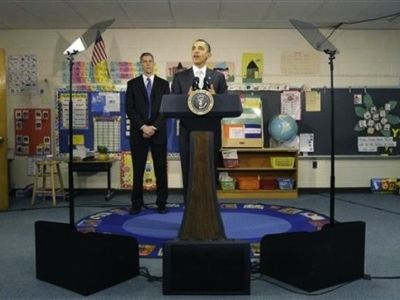 Obama reading from prompters