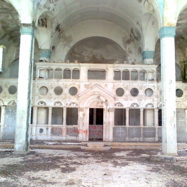 Desecrated northern Cypriot church01