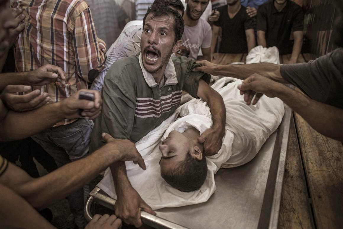 Gazan father cries over his son - 3 Aug 2014